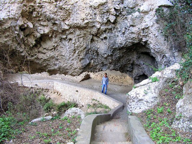 grotta-matermania-capri-island-04.min Грот Матермания на Капри Грот Матермания на Капри grotta matermania capri island 04