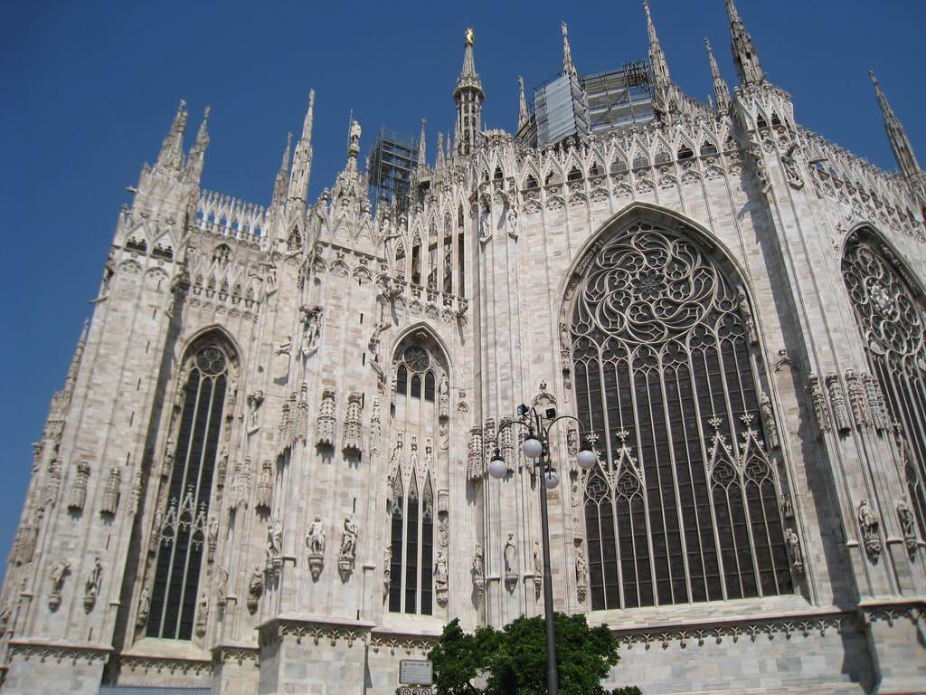 Милан на русском языке: экскурсии, однодневные поездки и мероприятия  Милан на русском языке: экскурсии, однодневные поездки и мероприятия Milan Guided Tours