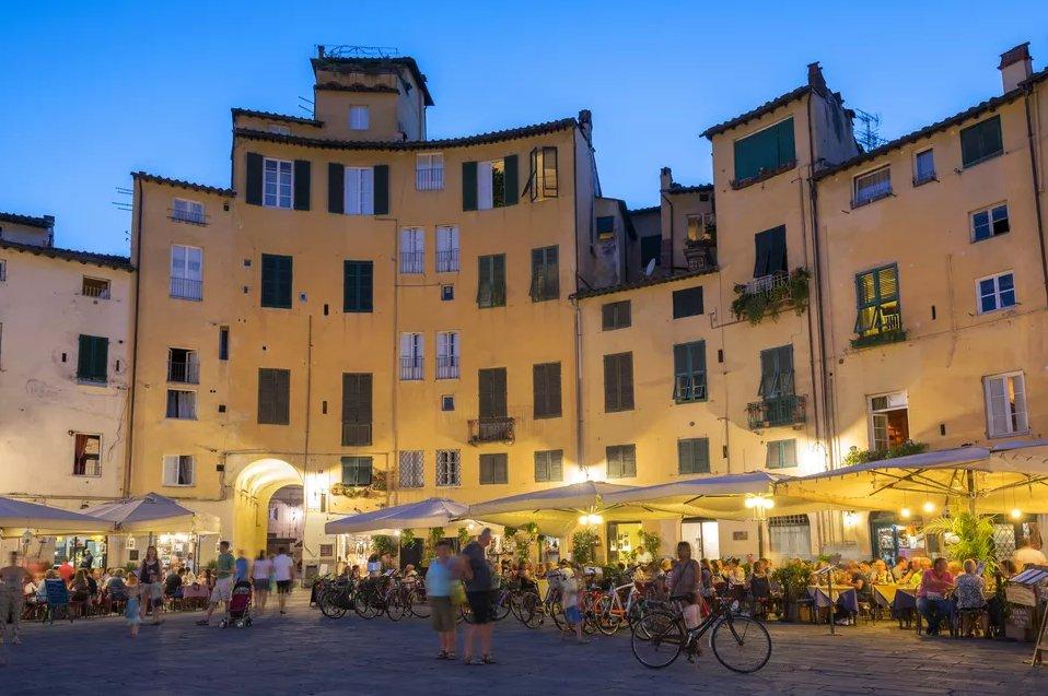 Топ 10 мест, которые нужно посетить в Тоскане  Топ 10 мест, которые нужно посетить в Тоскане lucca top 10 places in tuscany