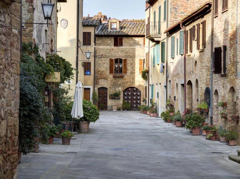 Топ 10 мест, которые нужно посетить в Тоскане  Топ 10 мест, которые нужно посетить в Тоскане pienza top 10 places in tuscany