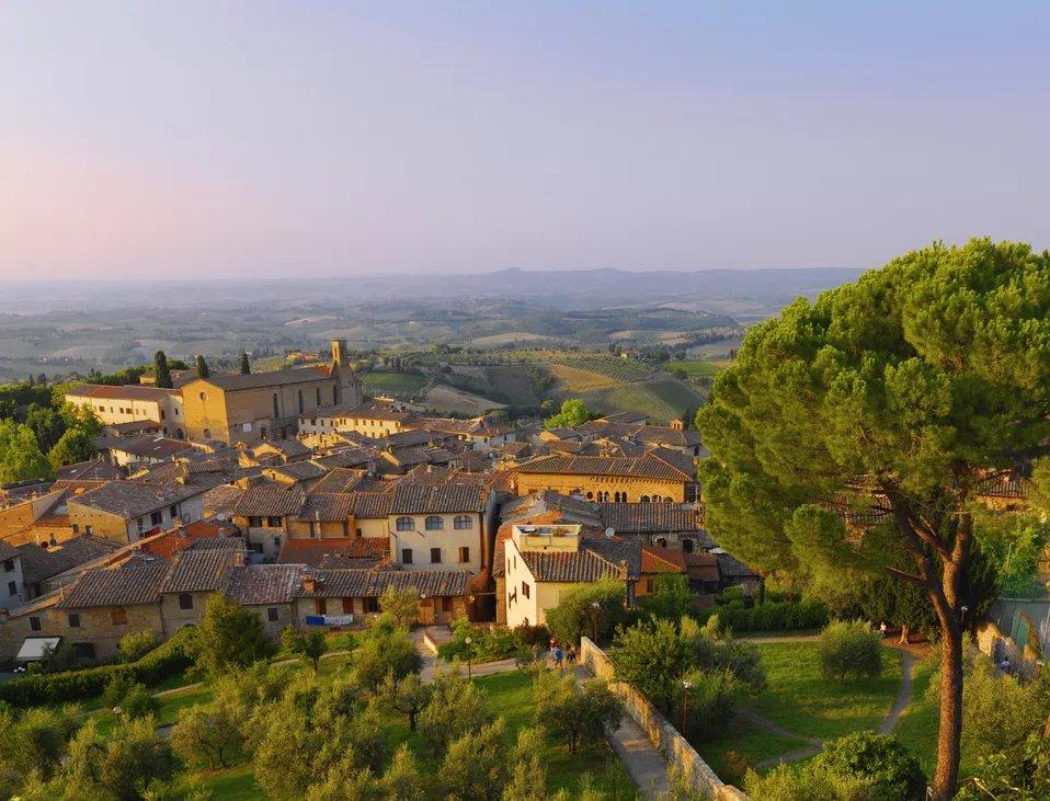 Топ 10 мест, которые нужно посетить в Тоскане  Топ 10 мест, которые нужно посетить в Тоскане san gimignano top 10 places in tuscany